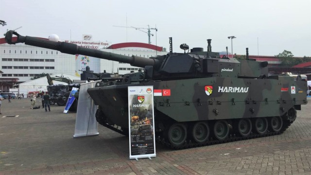 Tank Harimau, PT Pindad, Indo Defence 2018 Ekspo, Jakarta Expo Internasional Kemayoran