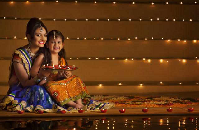 Ilustrasi Merayakan Festival Diwali di India