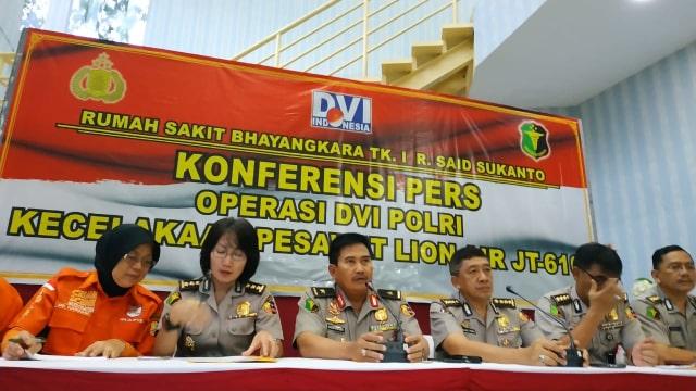 Konpers update perkembangan kecelakaan Lion Air JT-610 di RS Polri