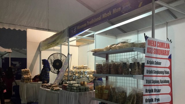 Peringatan HUT ke-7, NasDem Gelar Pasar Restorasi di Karanganyar (293484)