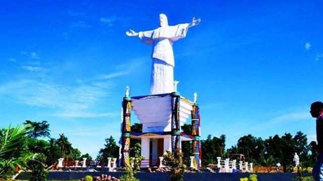 Patung Yesus Manokwari