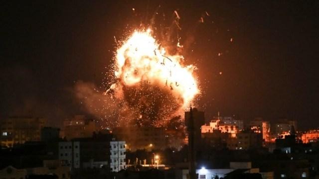 Israel Lanjutkan Serangan, 2 Warga Gaza Tewas dan 1 Stasiun TV Hancur (213189)