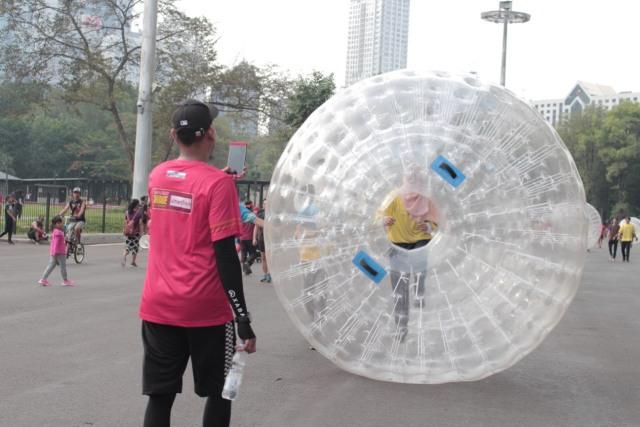 com-Zorb Ball Race di Shakestafet