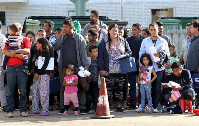 Ratusan Pengungsi Amerika Tengah Tiba di Perbatasan AS-Meksiko (29243)