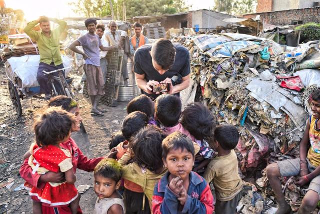 Ilustrasi kemiskinan yang ada di India