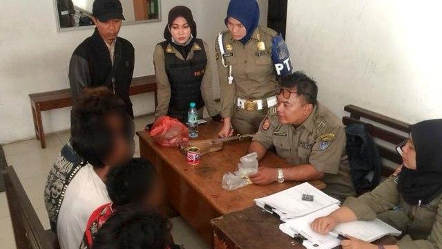 Anak-anak, tertangkap, ngelem, dimarahi Walikota Surabaya, Risma Marahi