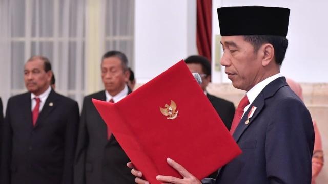 Jokowi Lantik 781 Perwira TNI-Polri: Jangan Kecewakan Orang Tua (35361)
