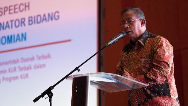 Darmin Nasution di acara penghargaan penyaluran KUR