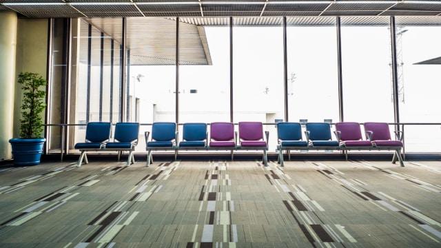 Karpet yang Melapisi Lantai di Bandara