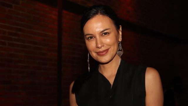 Membandingkan 2 Aktris Senior, Tamara Bleszynski dan Sophia Latjuba (333440)