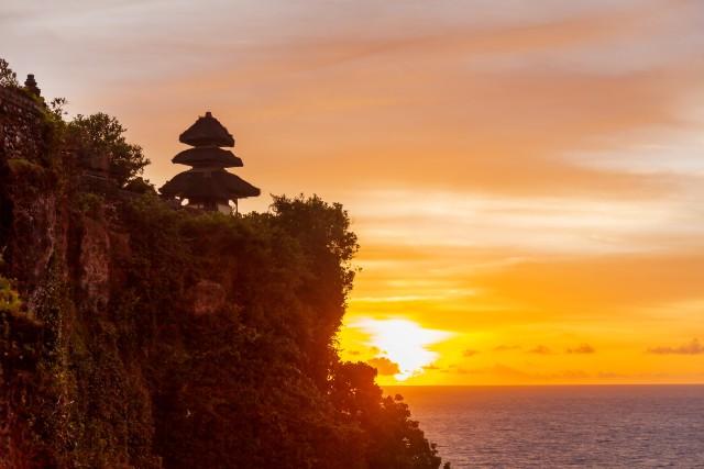 Sajian Indah Pura Uluwatu di Bali yang Berdiri di Atas Tebing (663600)