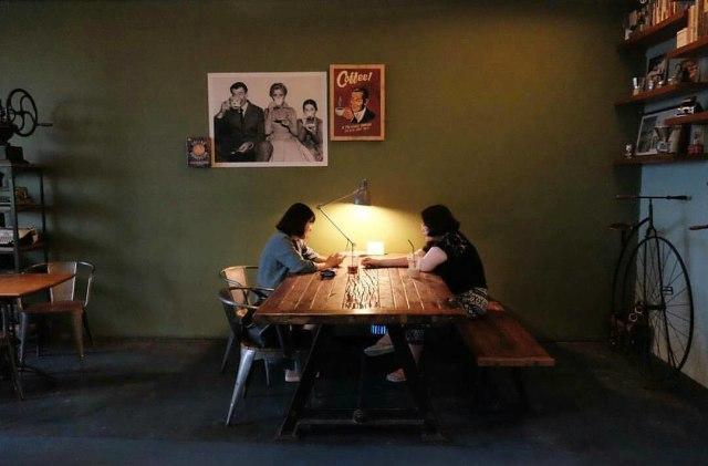 5 Tempat Makan Hits yang Asik Buat Nongkrong di Jakarta (124715)