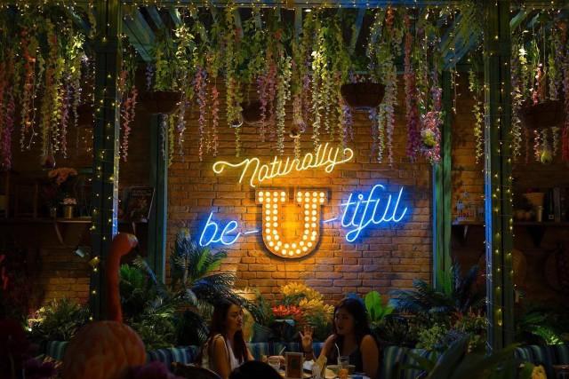 5 Tempat Makan Hits yang Asik Buat Nongkrong di Jakarta (124717)