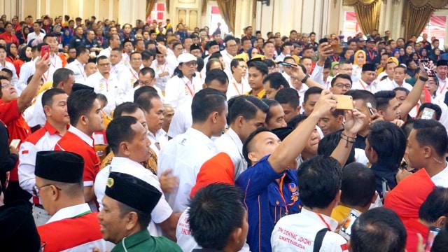 Jokowi Ingin Relawan Belajar dari Hillary dan Cameron (145604)