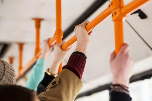 Membenahi Transportasi Umum di Bodetabek (103556)