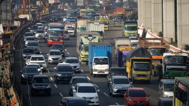 Awas Macet di Tol Jakarta-Cikampek Ada Perbaikan Jalan, Ini Detailnya (34047)