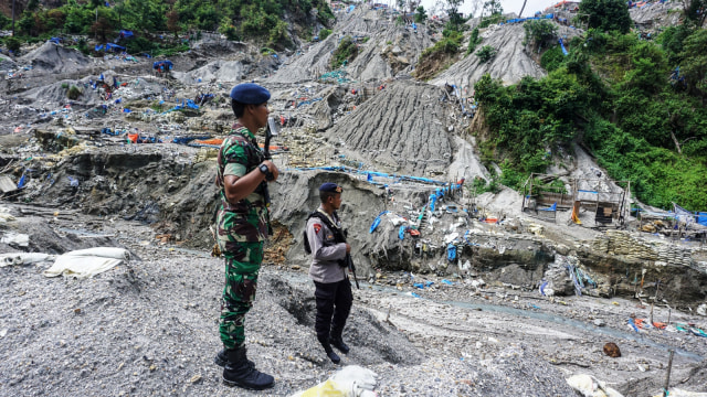 Personal Kepolisian, TNI, Gunung Botak