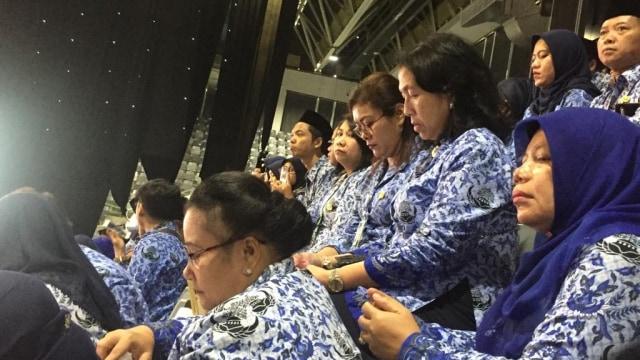 Jokowi Cairkan Gaji ke-13 PNS: Jangan Girang Dulu, Tak Semuanya Dapat  (8699)
