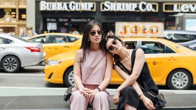 Gracia Indri dan Gisella Cindy