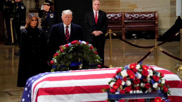 Presiden AS Donald Trump, mantan Presiden AS George H. W. Bush