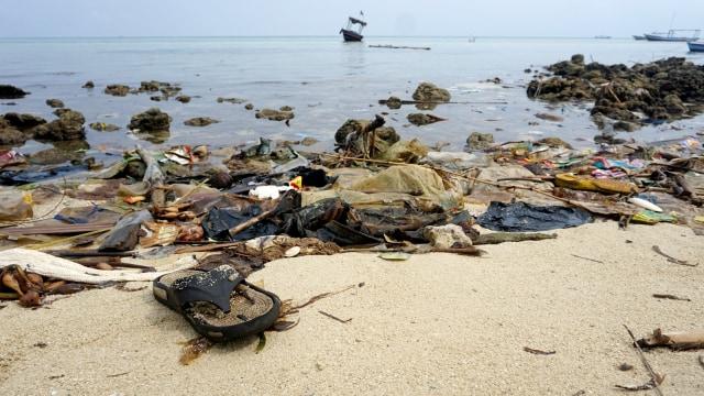 KONTEN SPESIAL, sampah plastik, pencemaran laut, Pulau Pari