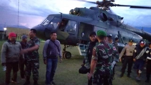 Anggota TNI, proses evakuasi pekerja Istaka Karya, KKB Papua