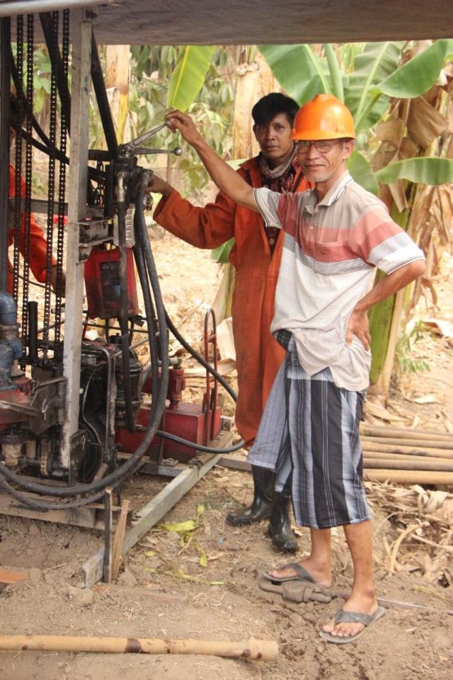 Mencari Solusi Air di Musim Kemarau Berkepanjangan Desa Dangiang (40086)