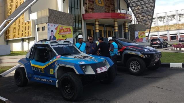 Usai Tempuh 2.810 Km, Mobil Listrik Blits Tiba Padang  (175137)