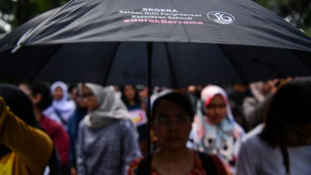 Masyarakat dari berbagai aliansi melakukan, aksi damai bertajuk stop kekerasan seksual