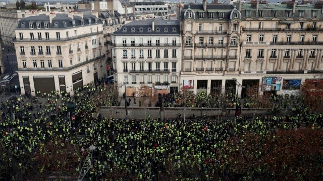 Unjuk rasa rompi kuning Paris, Prancis