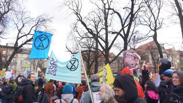 Aksi Unjuk Rasa Perubahan Iklim saat COP24 di Katowice, Polandia.