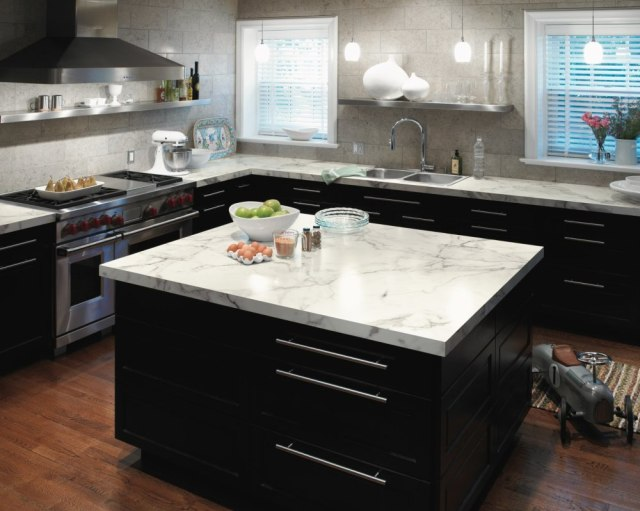 Ingin Hemat Saat Renovasi Dapur? Kenali Pilihan Bahan Kitchen Set Ini! (12521)
