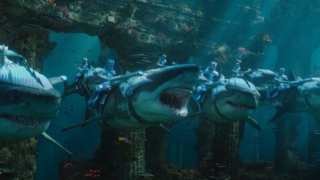 Cuplikan adegan film 'Aquaman'.