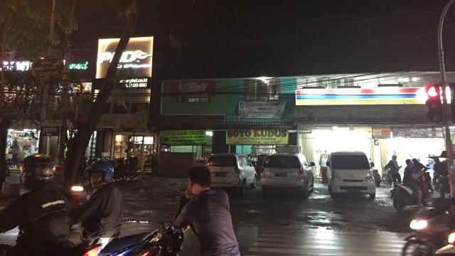 Lokasi Pemukulan TNI oleh Tukang Parkir di Ciracas Sudah Kondusif (6091)