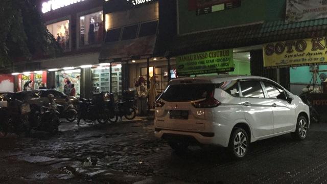 Lokasi Pemukulan TNI oleh Tukang Parkir di Ciracas Sudah Kondusif (6090)