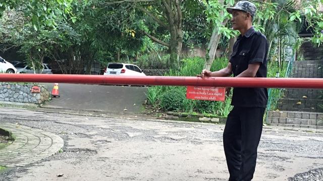 Suasana kost-kostan eril di Jalan Dago Asri Bandung