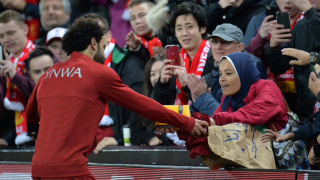 Detik-detik Fan Tunanetra Ikut Berbahagia saat Mohamed Salah Cetak Gol (48141)