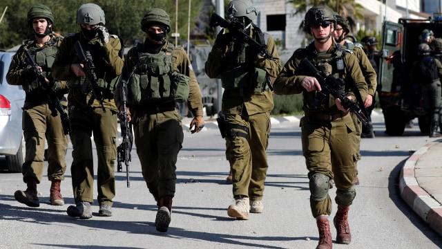 Serang Kantor LSM Palestina, Tentara Israel Ambil 5 Komputer  (129691)