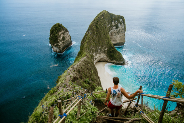 com-Bali