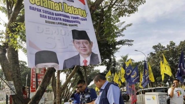 Polisi Serahkan Berkas Tersangka Perusak Bendera Demokrat ke Kejaksaan (61747)