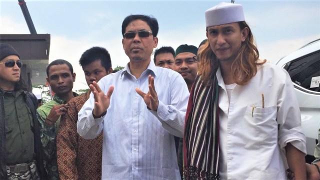 Bahar bin Smith tiba di Polda Jawa Barat