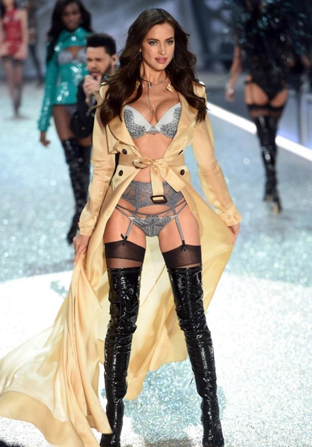 Cerai dari Kim Kardashian, Kanye West Dikabarkan Dekat dengan Irina Shayk (269993)