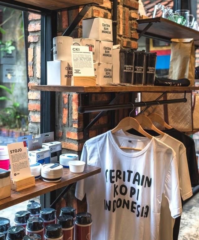 Seberapa Penting Peran Merchandise di Coffee Shop? (46867)