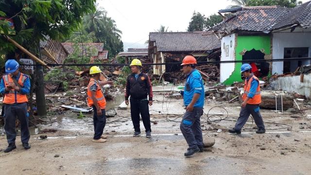 102 Gardu dan 41 Tiang Listrik PLN Rusak Diterjang Tsunami (42554)