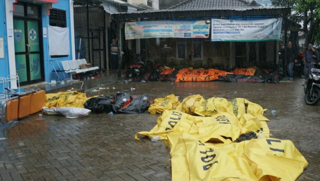 Update Korban Tsunami Selat Sunda: 222 Tewas, 843 Luka-luka, 28 Hilang (26453)