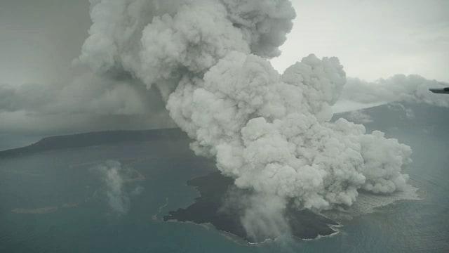 Gambar dari udara kondisi Anak Gunung Krakatau