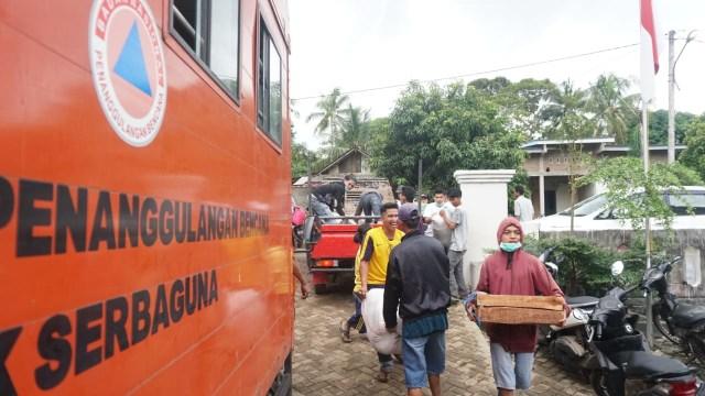 Suasana di posko pengungsian, korban tsunami di Desa Totoharjo, Bakauheni, Lampung Selatan