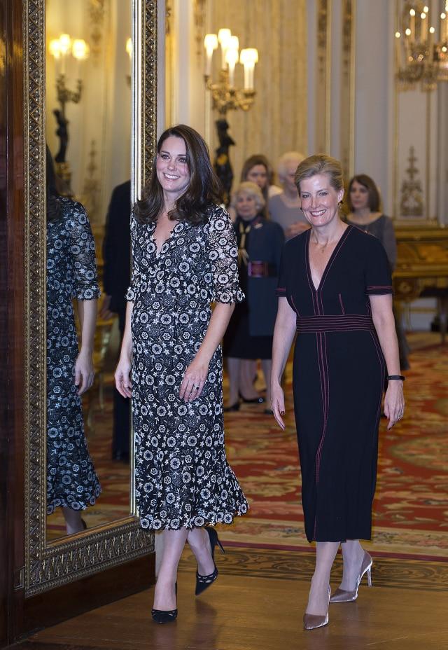 Gaya Fashion Terbaik Kate Middleton di 2018 (not cov)