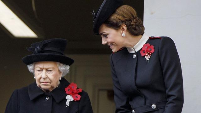 Tampil Beda dalam Busana Hitam, Kate Middleton Langgar Aturan Kerajaan (28237)