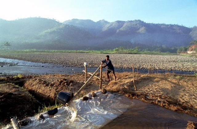 Tantangan Besar Konservasi Air: Kampanye dan Kebijakan Inovatif (351048)